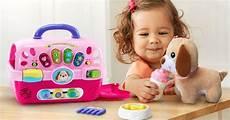 cadeau pour une fille de 2 ans gift guide for 2 year olds popsugar family