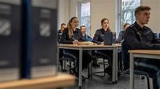Ausbildung Polizei Bayern - die bayerische polizei ausbildung live larissa 4