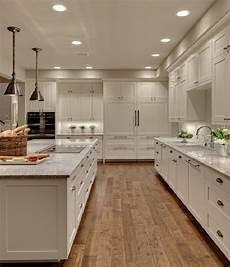 schrank bemalen ideen chalk paint kitchen cabinets creative kitchen makeover ideas