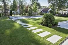 betonplatten auf rasen verlegen terrassenplatten mit teflon 174 impr 228 gnierung rsf 1 rinn