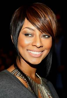 keri hilson short inverted bob haircut with side swept