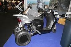 eecity model 3 le scooter 3 roues 233 lectrique et fran 231 ais