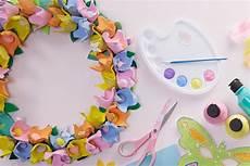 how to make an egg flower wreath hobbycraft