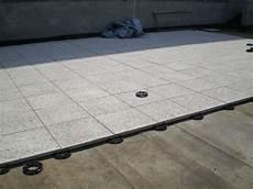 pavimenti per terrazzi esterni galleggianti pavimento galleggiante per terrazzi con pavimenti