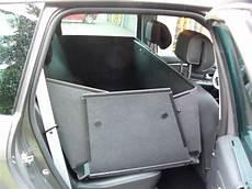 hundetransport auto rückbank kofferraumschutz als kofferraumwanne und hundebox f 252 r