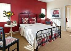 Schlafzimmer Rote Wand - how to decorate a bedroom with walls
