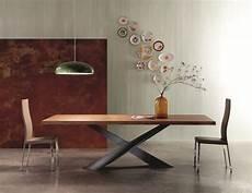 esstisch holz modern moderner esstisch aus holz naturbelassene tischplatte