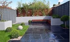 beton gartenmauer streichen modern garden design garden