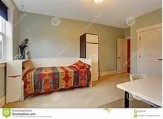 da letto semplice interno semplice della da letto con letto singolo