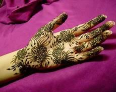 Trend Fashion Trend Henna Tatto Pernikahan Ala India