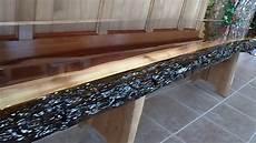 bois et resine epoxy comptoir en noyer avec finition d 233 poxy