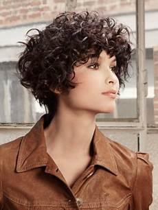 coupe courte cheveux frisés visage rond coupe courte cheveux boucl 233 s visage rond