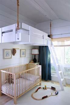 kinderzimmer hochbett h 228 ngendes hochbett kleines haus loft schlafzimmerideen
