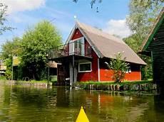 ferienhaus am see brandenburg kaufen bootshaus budinger ferienhaus in goldberg nossentiner
