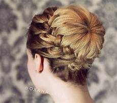 Pretty Updos For Prom