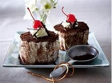 schwarzwälder kirschtorte rezept schnell schwarzw 228 lder kirschtorte rezept chefkoch rezepte auf
