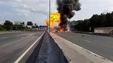 accident russie camion vid 233 o automoto insolite un camion explose 39 fois mytf1