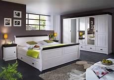 landhaus schlafzimmer komplett massiv schlafzimmer komplett schrank 5t 252 rig bett landhausstil