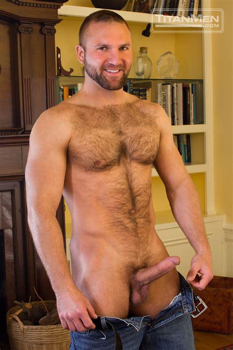 Gay Hunter Scott