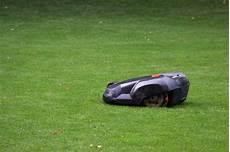 roboter rasenmä preise rasenm 228 roboter im test preise typen und