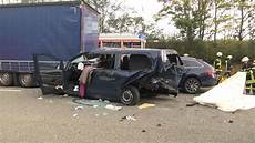 Unfall Hessen Heute - zusammenprall unfall skoda vito lkw hersfeld rotenburg