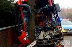 Fahrer Nach Busunfall In Melle Eingeklemmt