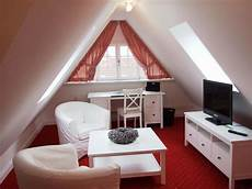 dachboden schlafzimmer ideen pin kirsten auf spitzboden attic house attic