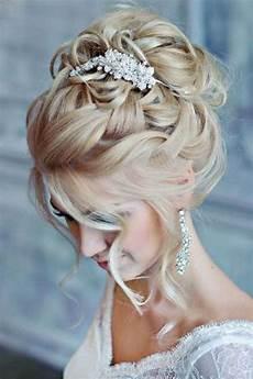 coiffure mariage chignon coiffure mariage chignon de mariage haut avec des