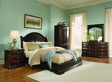Bedroom Decorating Ideas With Wood Furniture by Light Green Bedroom Ideas With Wood Furniture