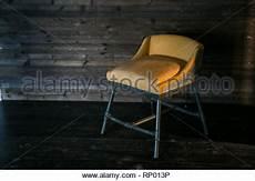 inneneinrichtung fussboden mit weicher moderne wohnzimmer interieur mit feuer einf 252 und