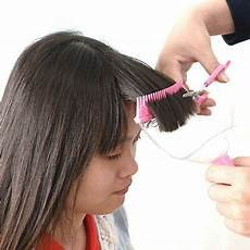 Pop Cutting Hair Style