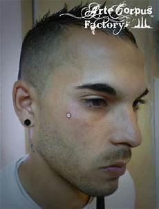 piercing oreille homme lobe piercing homme oreille gauche ou droite tatouages et