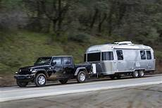 2020 jeep gladiator towing capacity payload a closer look