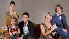 Eltern Allein Zu Haus Frau Busche Das Erste Programm
