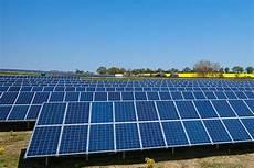 Förderung Solaranlage 2015 - bmwi gabriel pilotausschreibungsrunden f 252 r photovoltaik