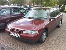 ford mondeo 1 8 1995 technical specifications interior