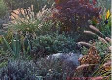 Und Gräser - gartenblog geniesser garten staudenbeet mit gr 228 sern