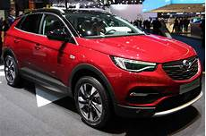 opel начал продавать свои автомобили в испании онлайн