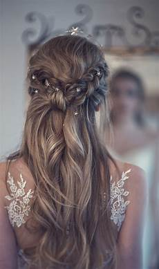 beautiful bridal half up half down wedding hair inspiration