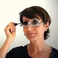 maquillage yeux bleus lunettes
