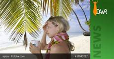 Krank Im Urlaub - dawr gt krank im urlaub wenn der arbeitnehmer im urlaub