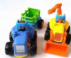 fahrzeuge für kinder ab 2 der traktor mit abnehmbarem anh 228 nger