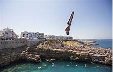 red bull cliff diving 2017 gary hunt tells us what it s like to dive off a 27m cliff metro news