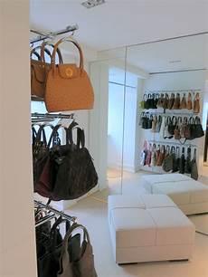 taschen aufbewahrung ideen handtaschen aufbewahrung dekorativ und praktisch