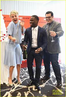 wedding ringer cast gets pascal s support at premiere photo 3273778 pascal eniko