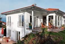 bungalow am hang mit keller bungalow mit terrasse schw 246 rerhaus