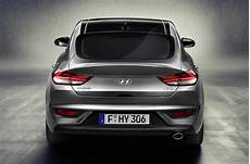 Hyundai I30 Fastback 2018 - hyundai i30 fastback unveiled ahead of 2018 launch autocar