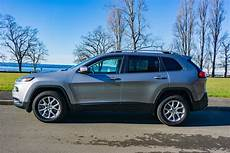 jeep longitude the 2017 jeep latitude 4 215 4 is a marvelous mid