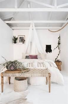 Home Decor Ideas White Walls by 45 Wonderful White Walls Interior Ideas Master Bedroom