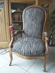 prix restauration fauteuil voltaire restauration fauteuil voltaire prix table de lit a roulettes